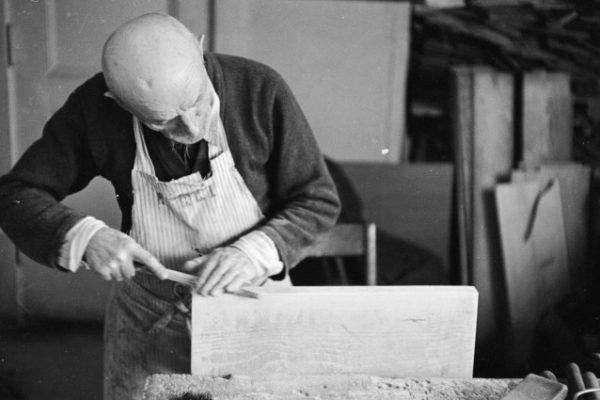 Artigiano a lavoro-identità